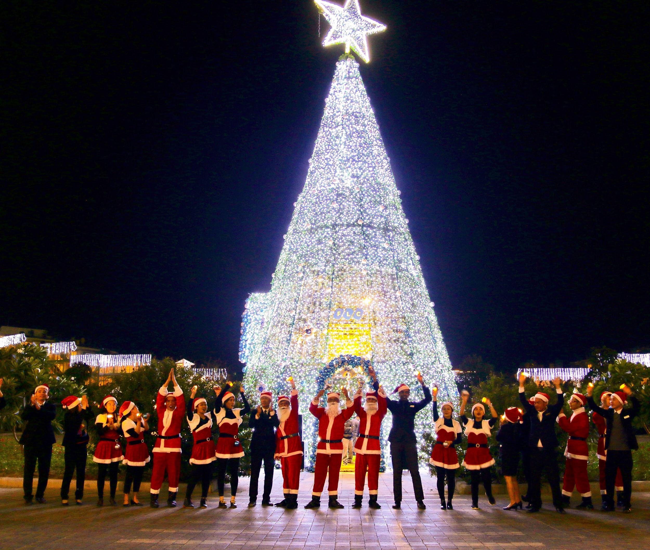 FLC Vĩnh Phúc - Lễ hội thắp sáng cây thông Noel