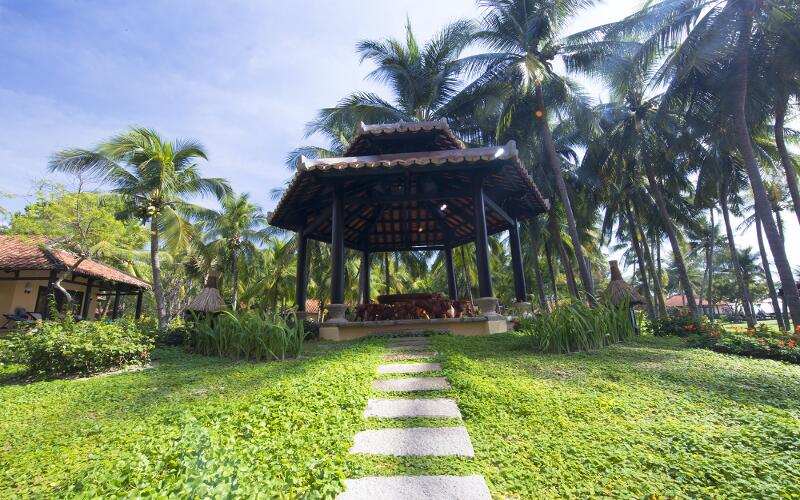/files/images/SeahorseResortSpaPhanThiet/garden-3.jpg