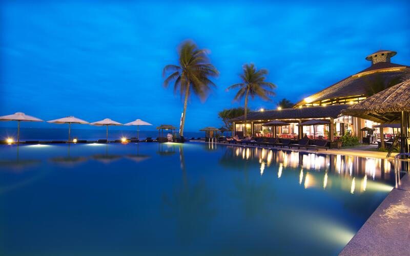 /files/images/SeahorseResortSpaPhanThiet/infinity-pool-1.jpg
