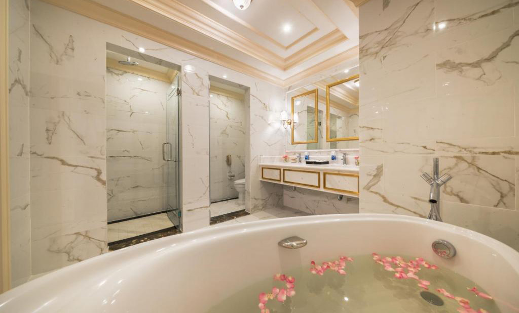 /files/images/VinpearlHotelQuangBinh/suite-executive-7.jpg